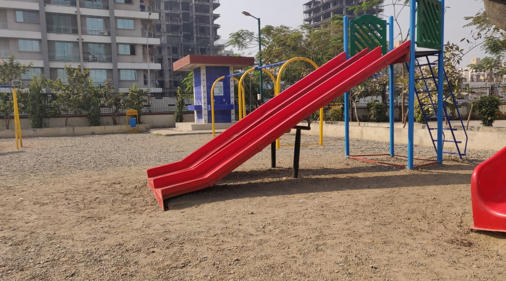 SMC Garden Kids Play Area Slider